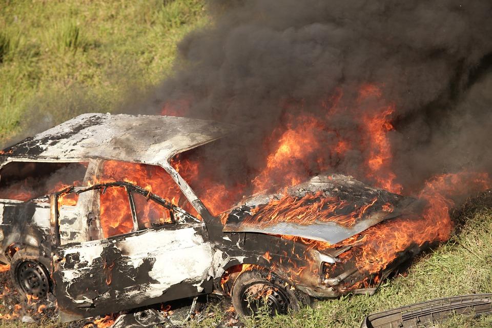 Hoe te verzekeren bij brand of inbraak in auto?